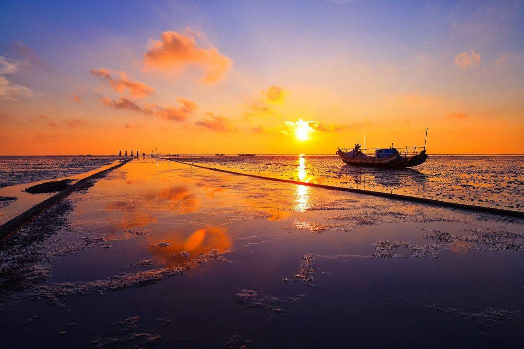 clouds sunset China taiwan Changhua reflection ocean sea boat wallpaper