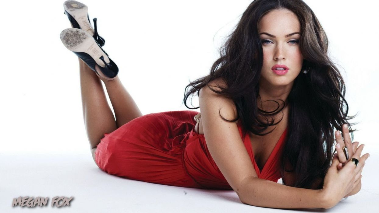 MEGAN FOX - celebity girls red wallpaper
