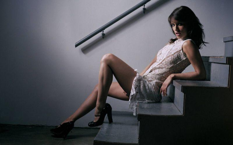 LEONOSR VARELA - ladder girl legs model wallpaper