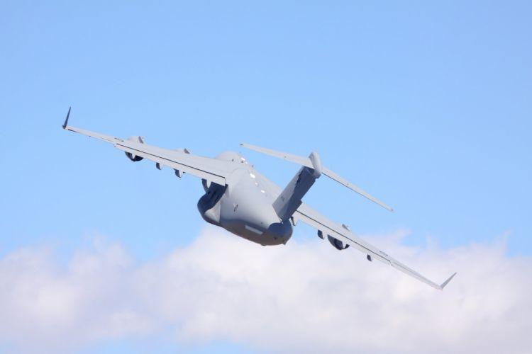 Boeing C17A Globemaster-III airplane jet Military aicrafts us-air-force canada england cargo transport kuwait qatar wallpaper