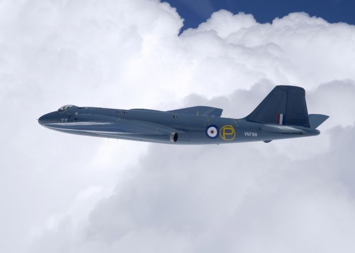 1951 English Electric Canberra-PR9 bomber Reconnaissance aircrafts jet United Kingdom Royal-Air-Force Ground-attack wallpaper