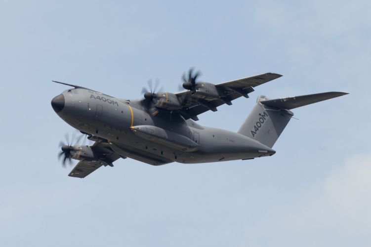 Airbus A400M Atlas 2013 aircrafts transport Military troups Allemagne France Espagne Royaume-Uni Turquie Belgique Luxembourg Malaisie europe wallpaper