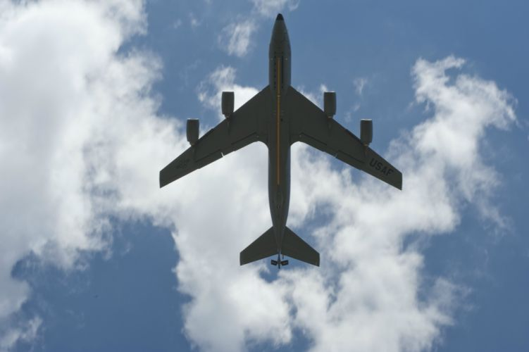 1967 Boeing KC-135 Stratotanker aircrafts ravitailleur Military us-air-force wallpaper