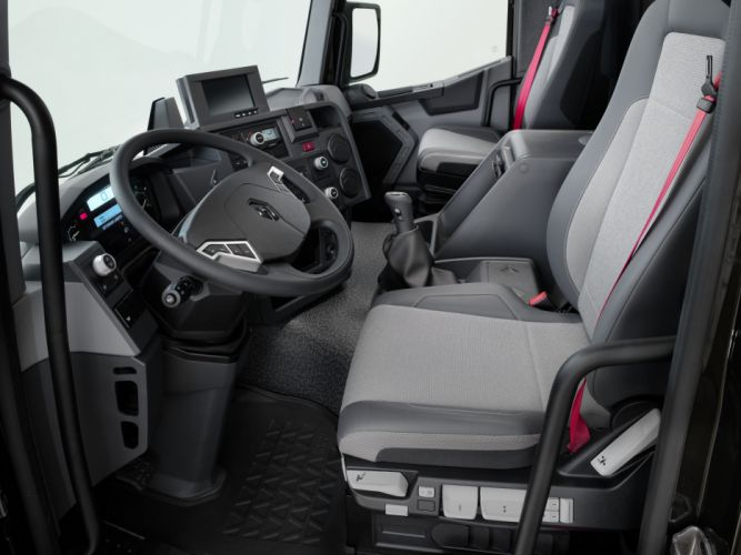 2013 Renault K 430 8x4 semi tractor wallpaper
