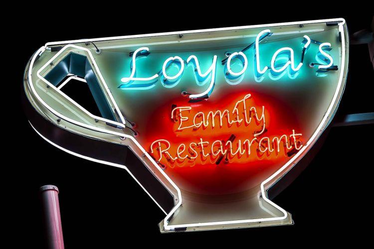 SIGNE Neon Lights HOTEL vacancy restaurant club motel night casino diner enseigne food cities bulding street wallpaper
