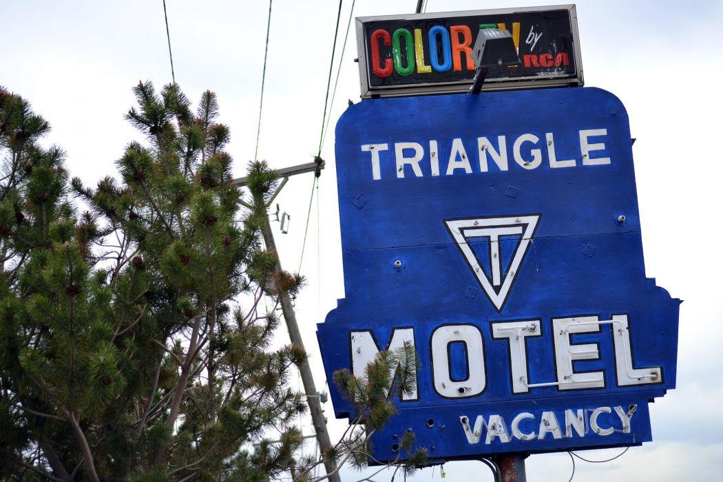 SIGNE Neon Lights HOTEL vacancy restaurant motel enseigne cities road street vintage wallpaper