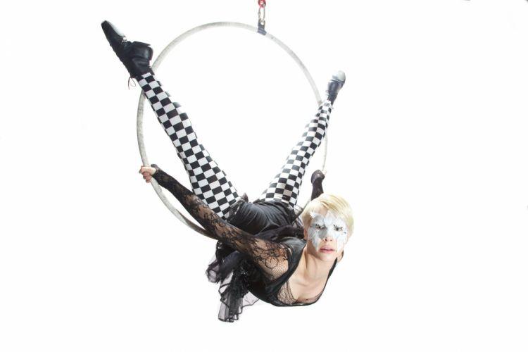 AERIAL HOOP acrobatics circus amusement fitness sexy babe cerceau dance lyra dancing swing wallpaper