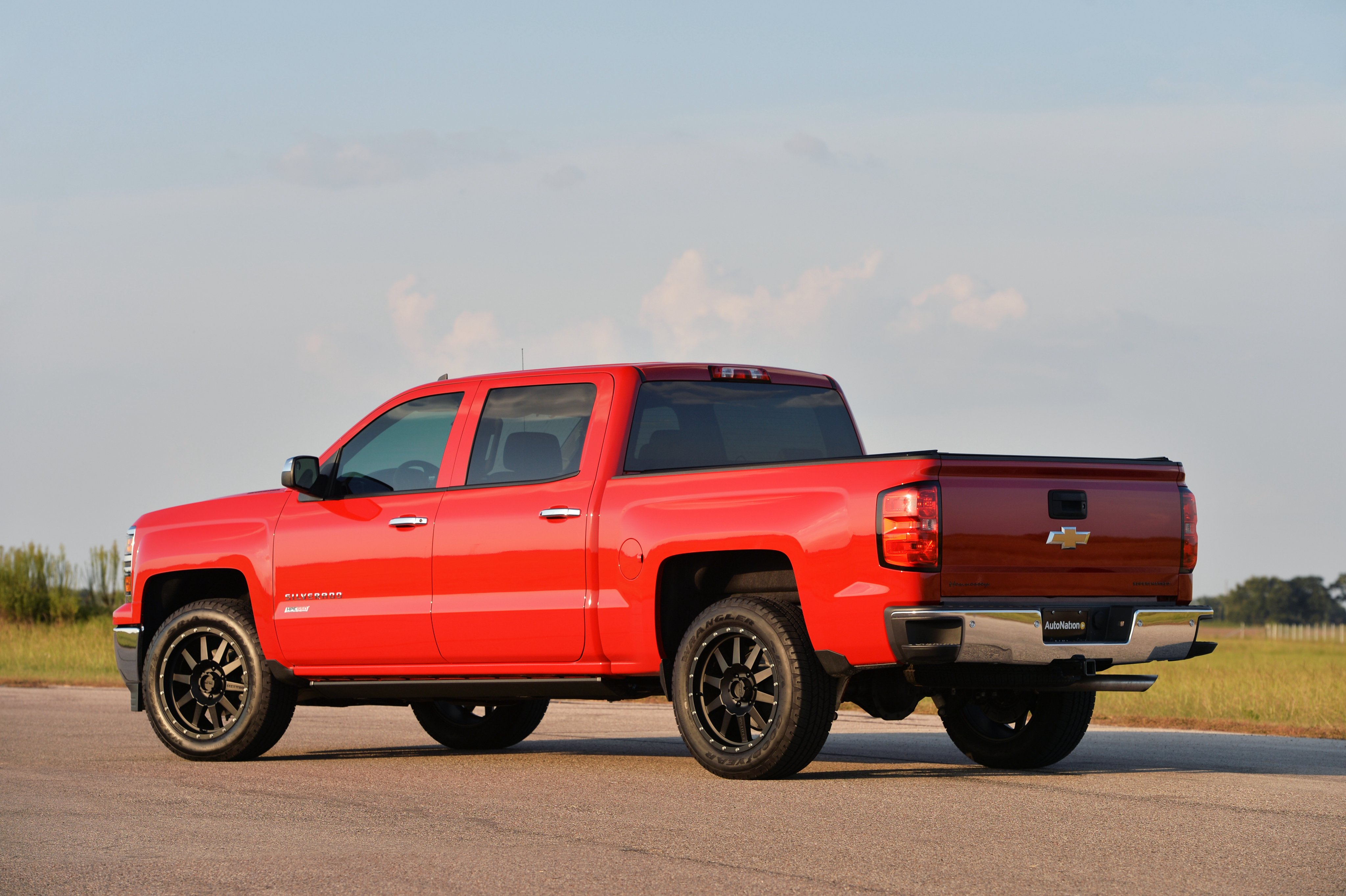 2015 hennessey chevrolet silverado z71 hpe550 pickup muscle tuning wallpaper 4096x2726 461861 wallpaperup