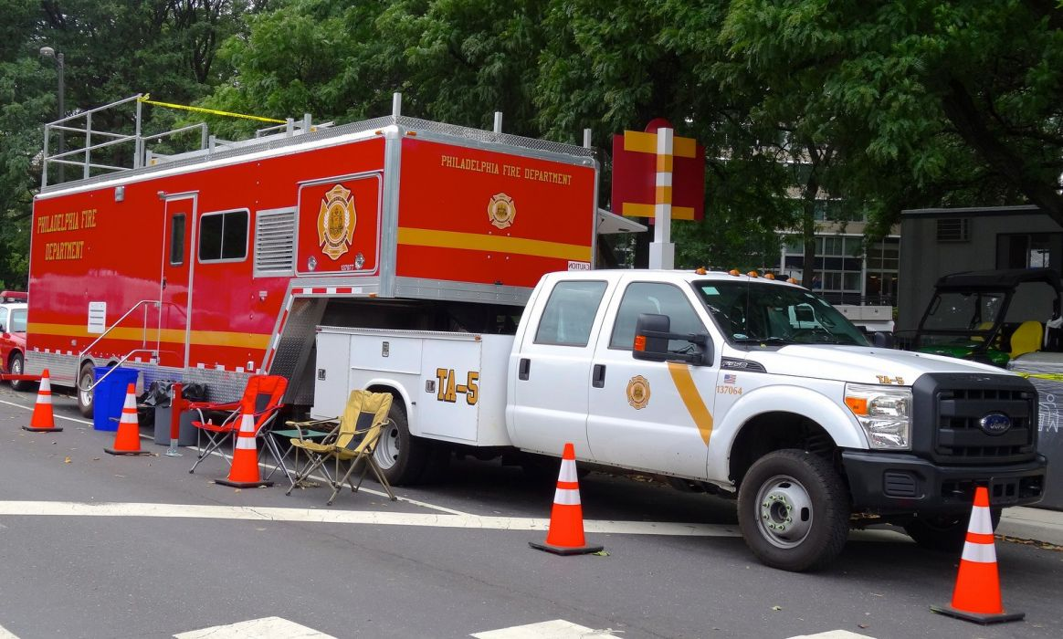 Ambulance fire-truck Philadelphia Fire-Departments usa rescue fire truck suv Emergency medic cars wallpaper