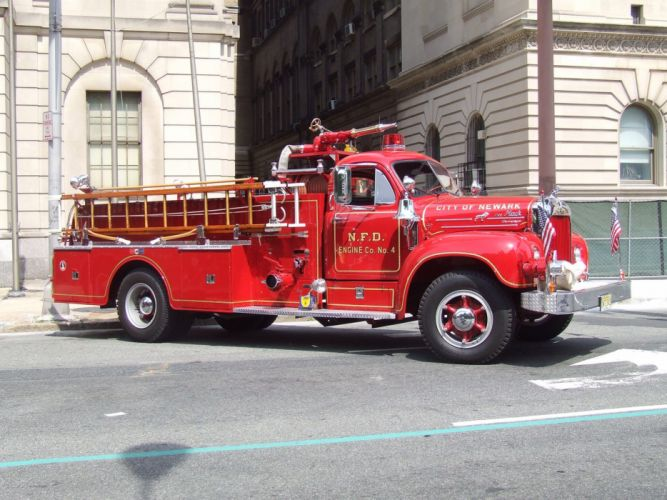 Ambulance fire-truck Fire-Departments usa europe rescue fire truck suv Emergency medic cars pompier camion feux wallpaper