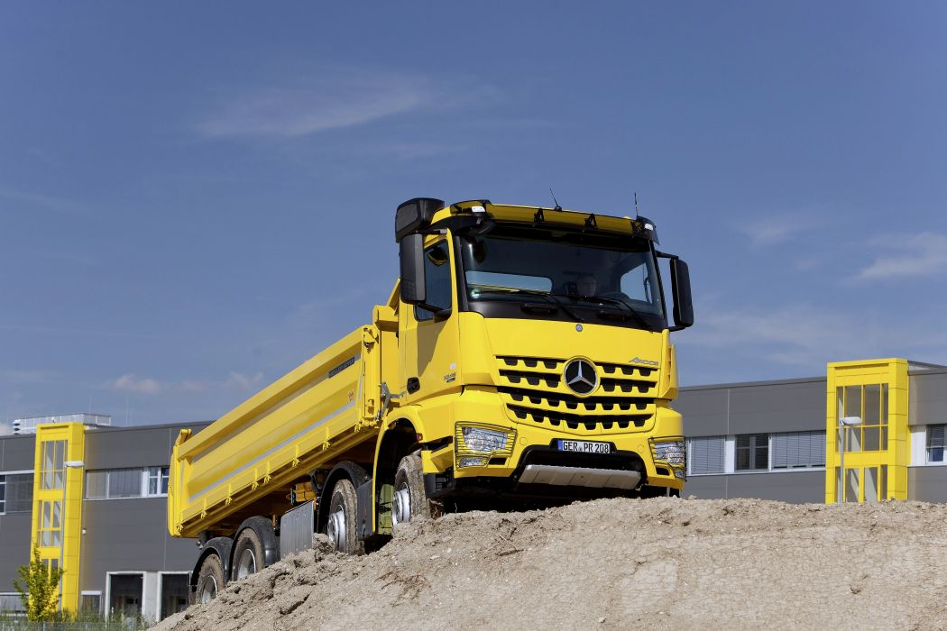 2013 Mercedes Benz Arocs 3245 construction dump semi tractor wallpaper