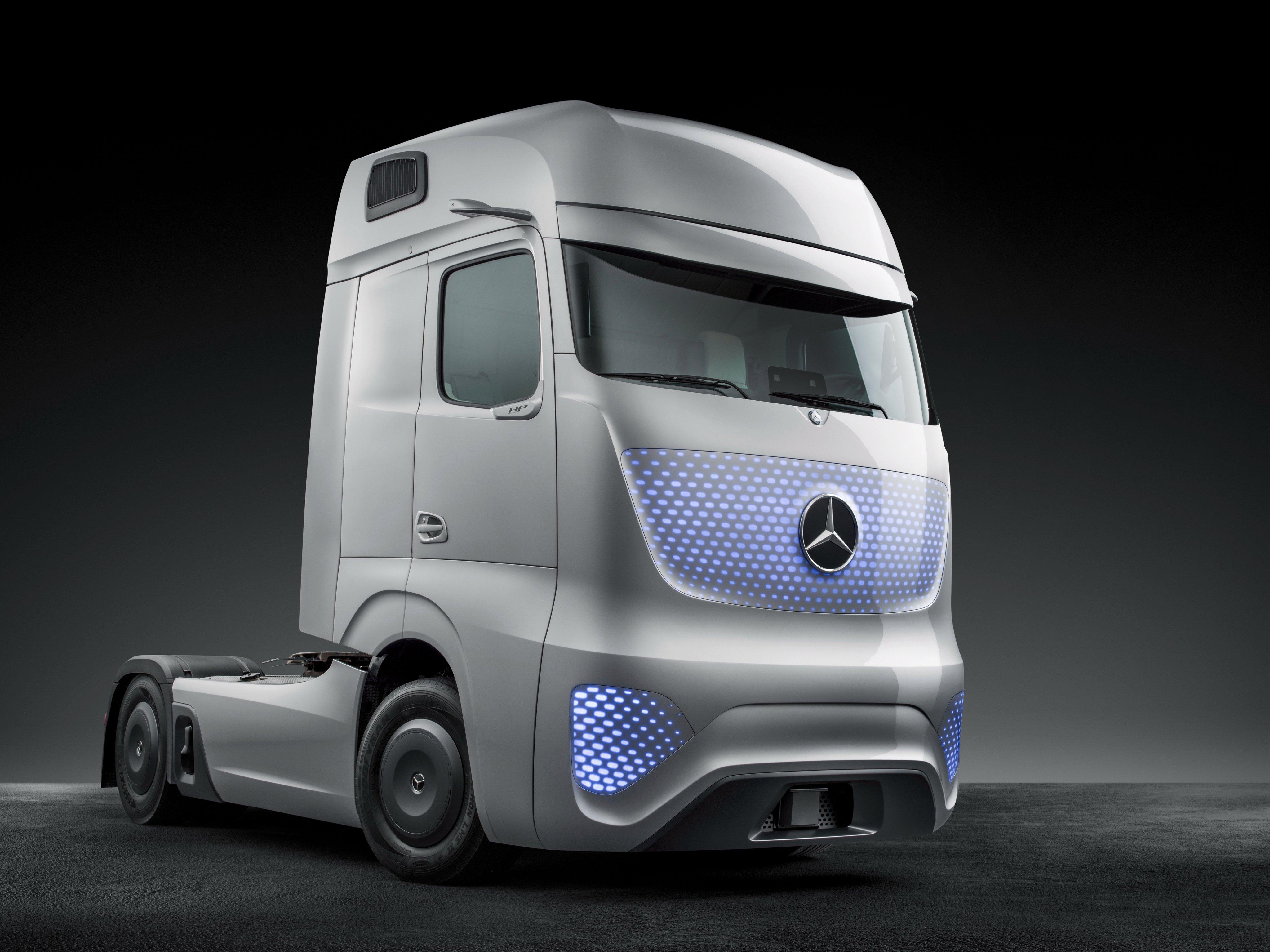 2014 mercedes benz future truck 2025 semi tractor for Mercedes benz truck 2014