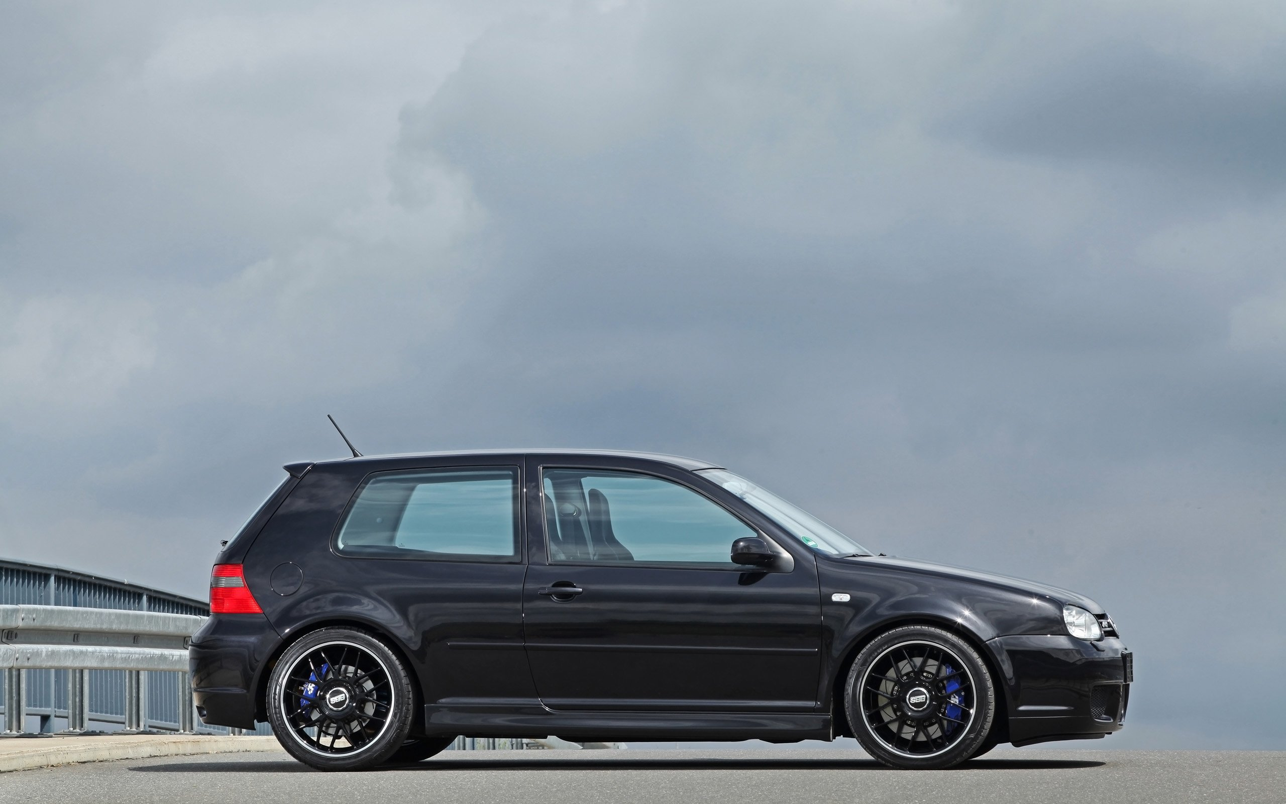 2014 hperformance volkswagen golf i v r32 tuning wallpaper. Black Bedroom Furniture Sets. Home Design Ideas