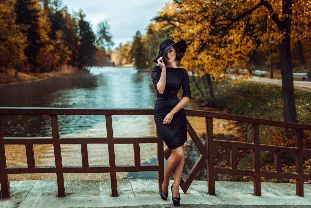 black dress girl hat figure  wallpaper