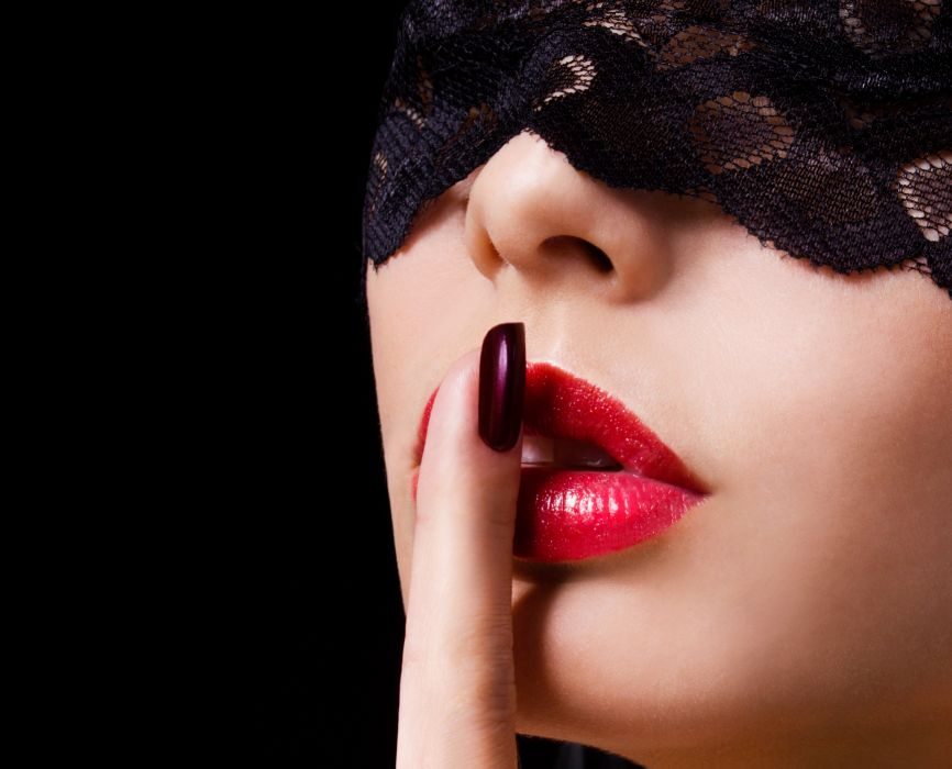 girl makeup lips hand manicure background wallpaper