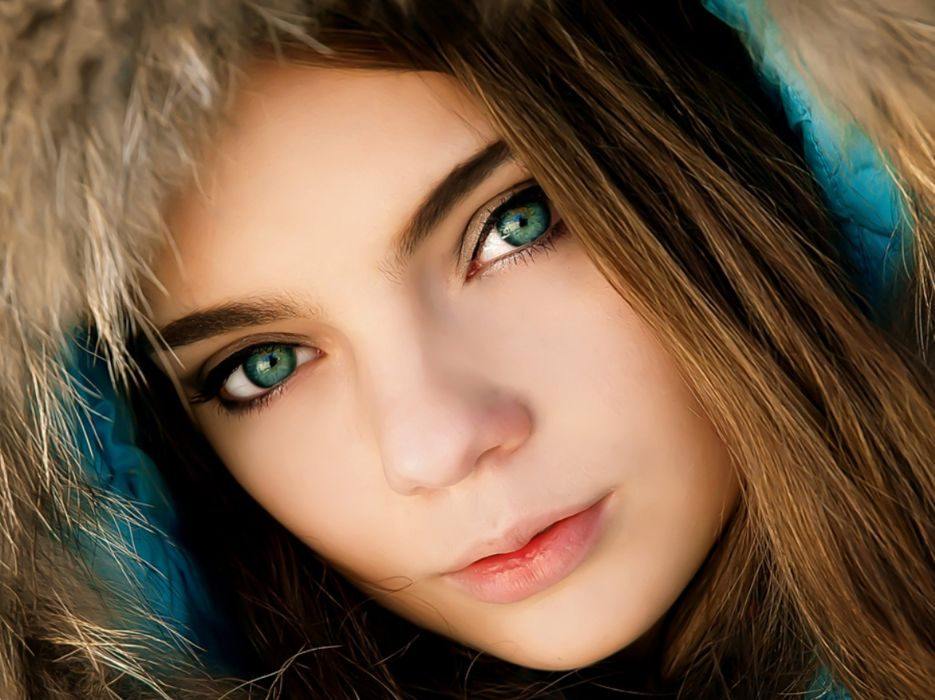 Hat Beautiful Girl Face Stare Cute Cold Days Hair