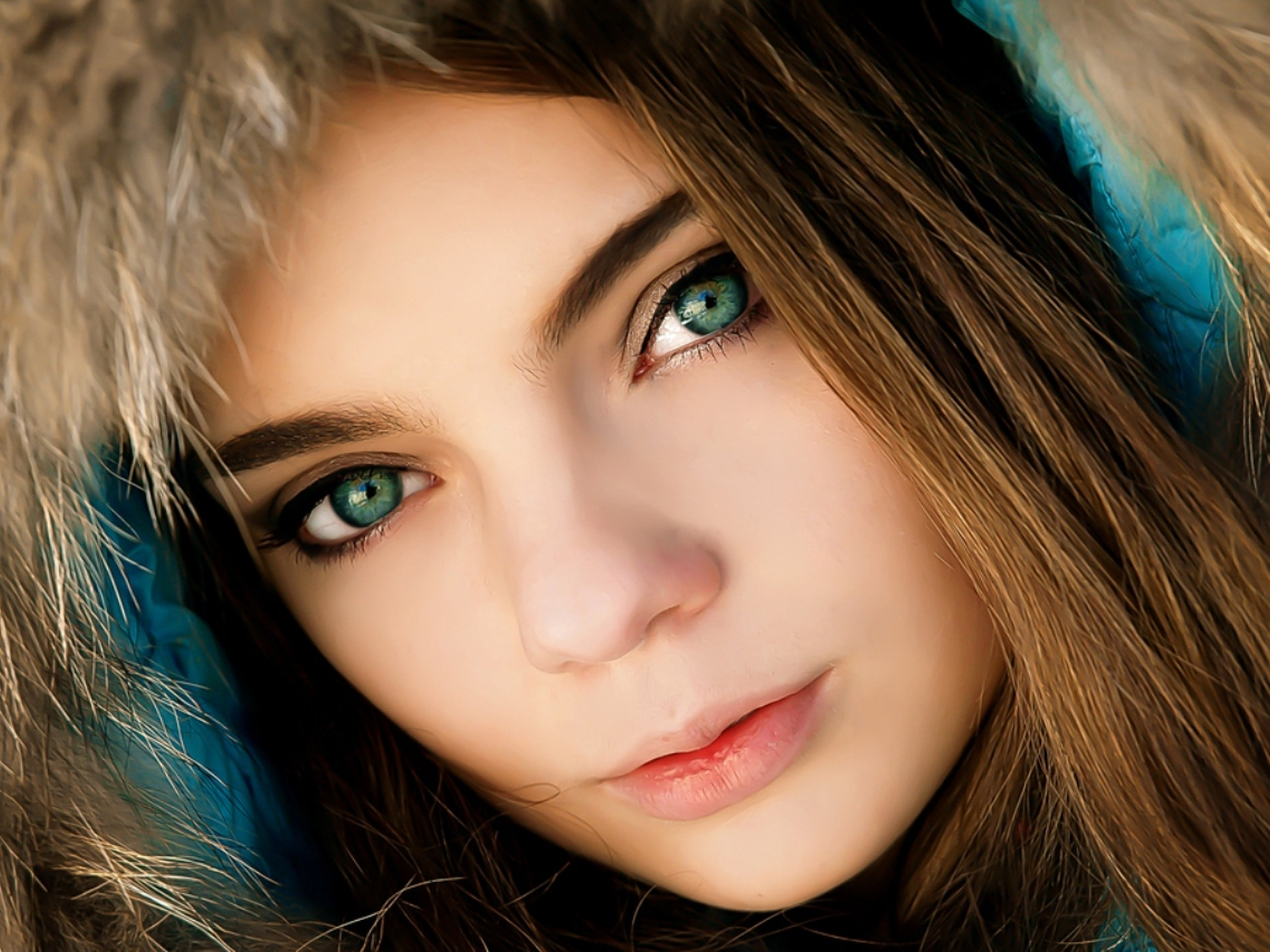 Lady with green eyes