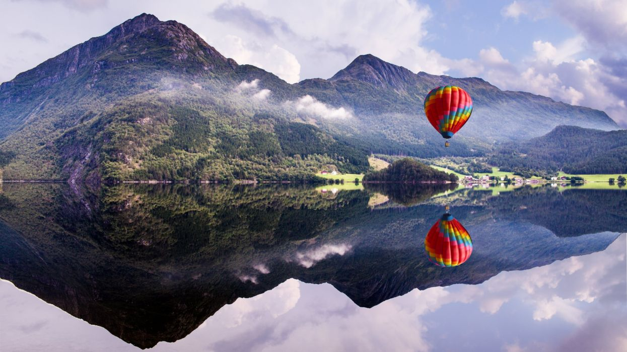 Mountains forest water reflection balloon wallpaper