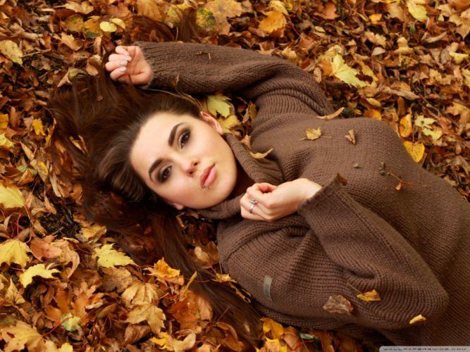 girl autumn-wallpaper-2048x1536 wallpaper