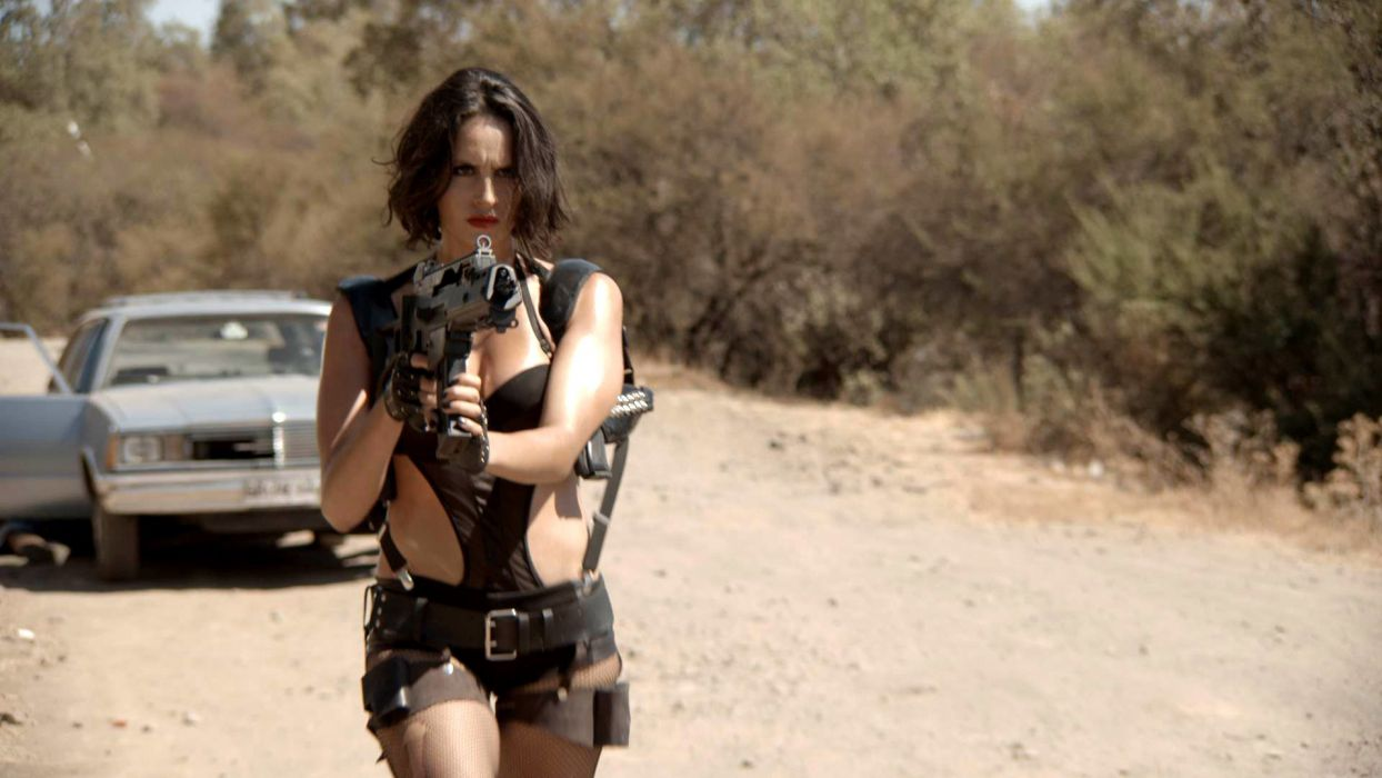 BRING ME HEAD MACHINE GUN WOMAN action crime comedy assassin fighting sexy babe weapon wallpaper