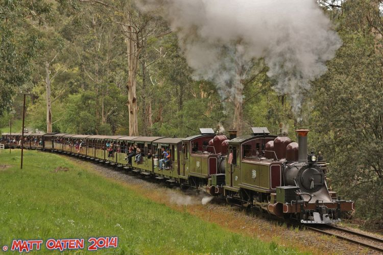 trains locomotives wallpaper rail transport vintage old charbon wallpaper