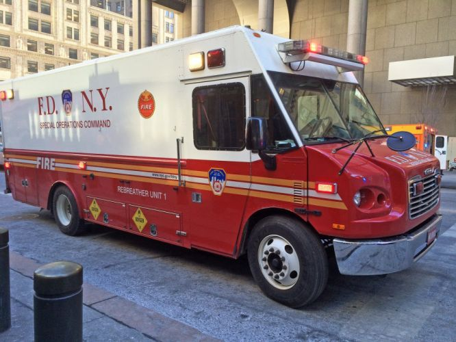 ambulance camion cars boat emergency fire fire-departments fire truck medic new-york F D N Y pompier rescue suv truck USA wallpaper