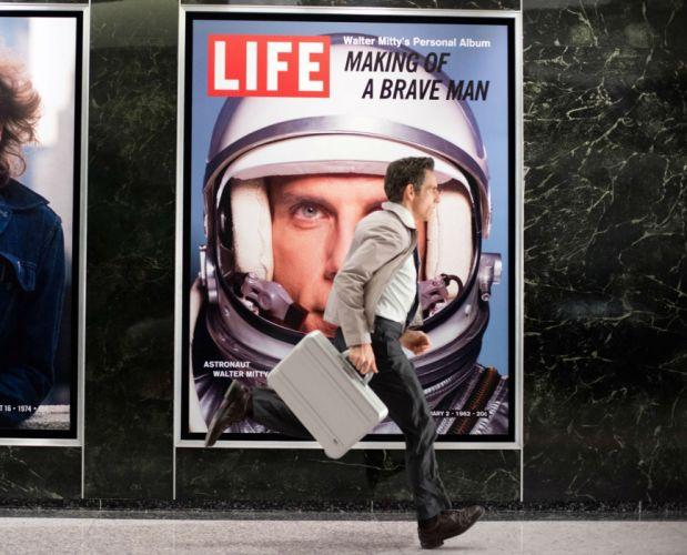 SECRET LIFE OF WALTER MITTY adventure comedy drama romance wallpaper
