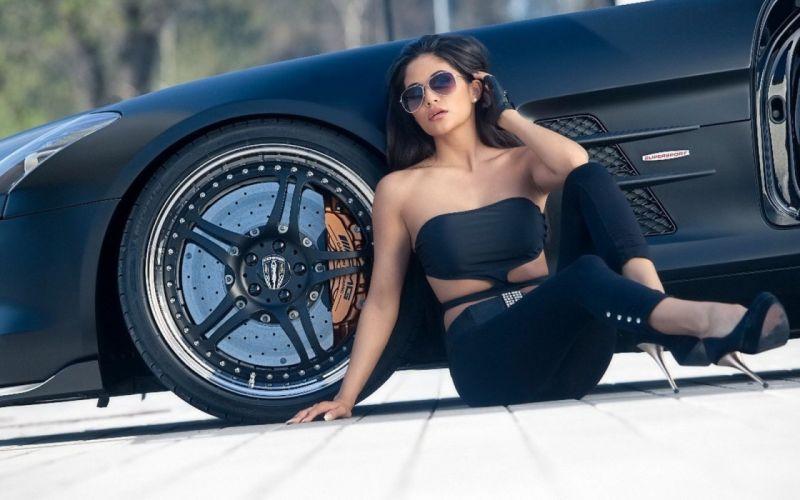 brunette wheel car babe wallpaper