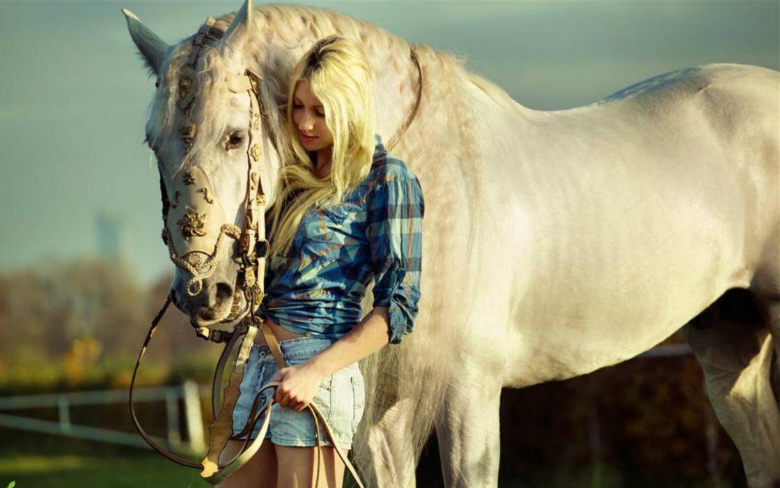 Cowgirls - horse wallpaper