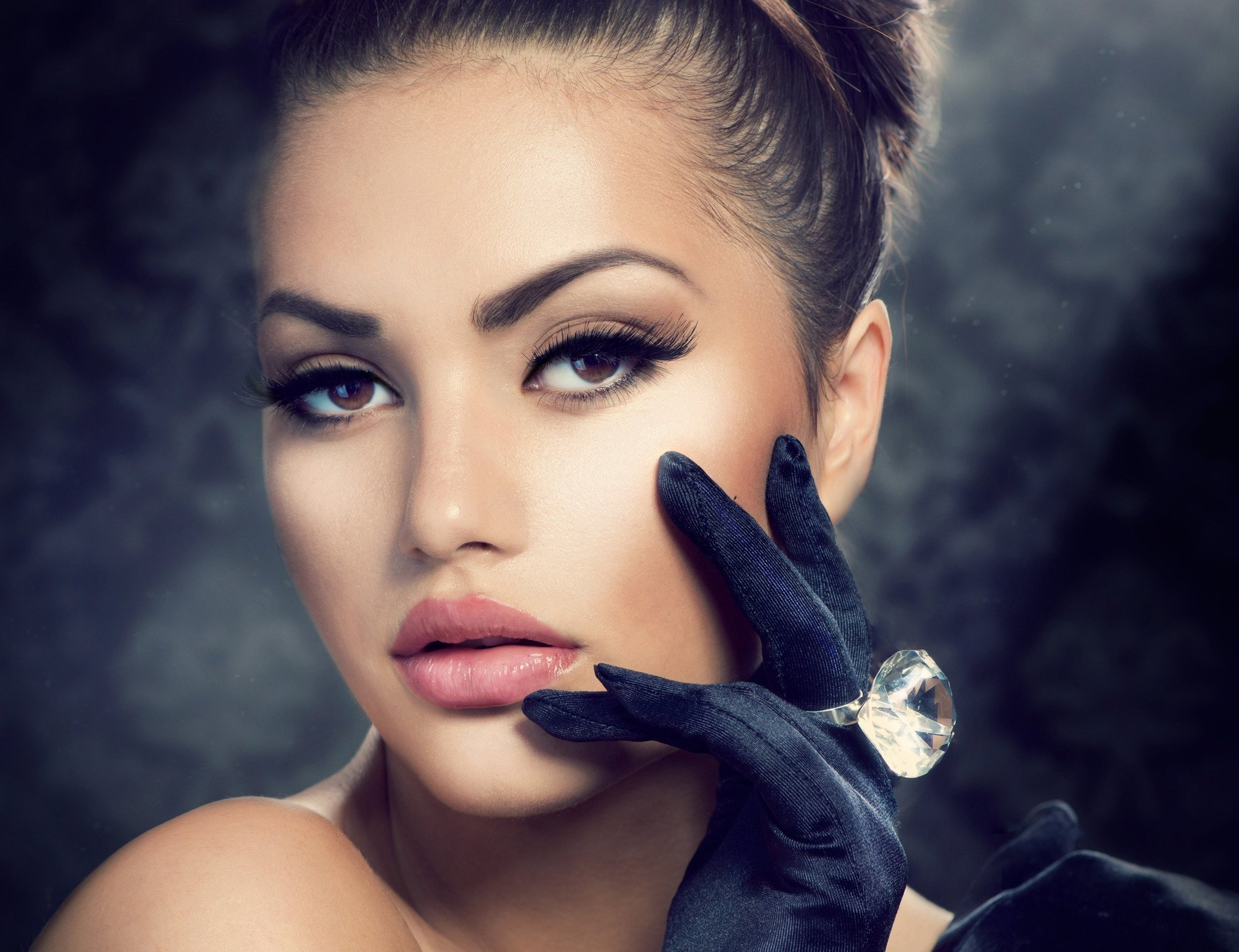Model Photo Hand Girl Gloves Ring Makeup Eyelashes Hair
