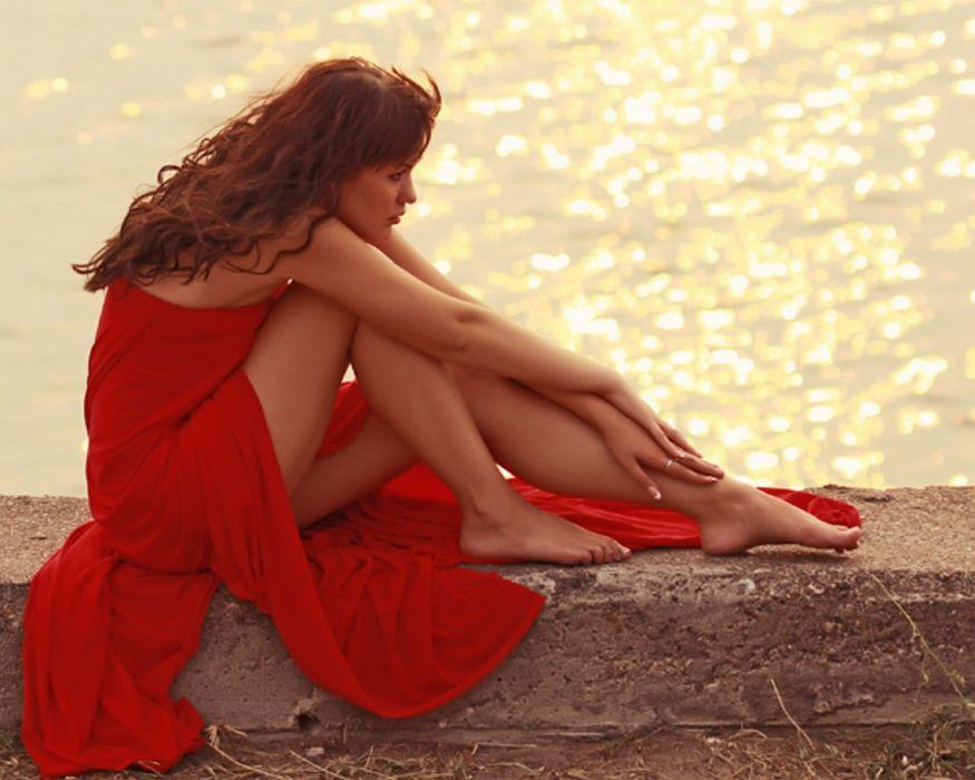 ocean girl red shimmering waters pose wallpaper