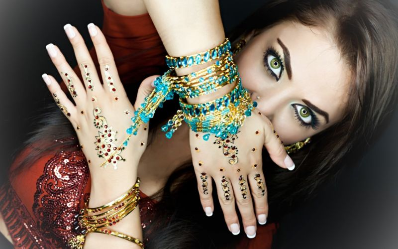 jewelry girl eyes beautiful wallpaper