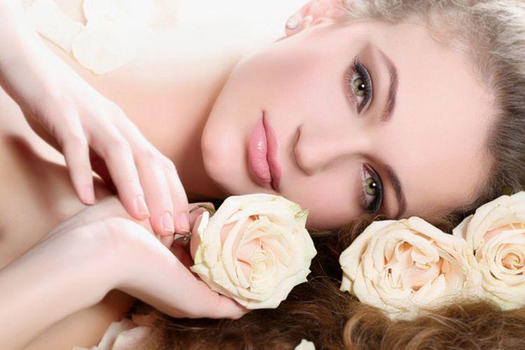roses deep eyes lips dreamer gorgeous face smile beauty woman wallpaper