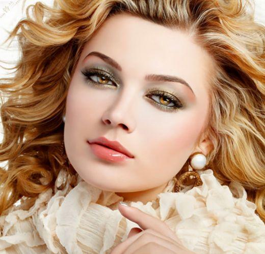 girl gorgeous blonde face lips honey eyes beauty wallpaper