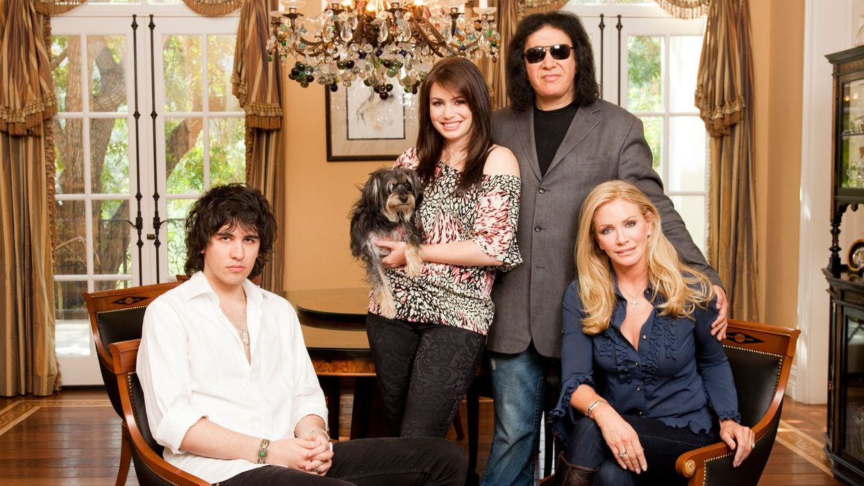 GENE SIMMONS FAMILY JEWELS reality series kiss heavy metal hard rock comedy wallpaper