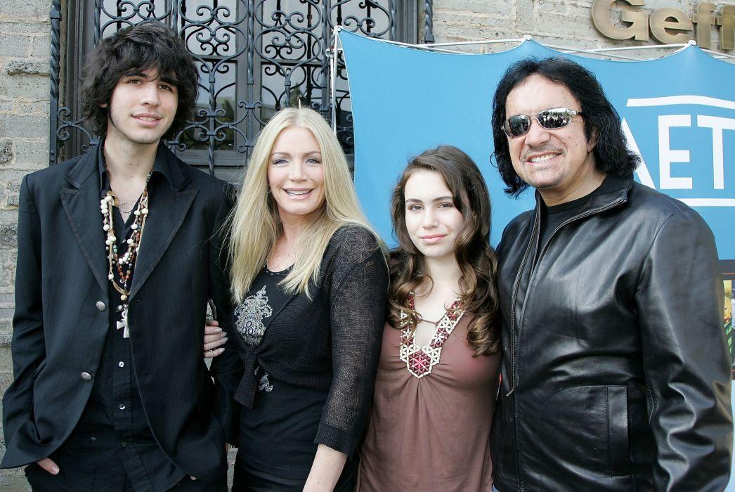 GENE SIMMONS FAMILY JEWELS reality series kiss heavy metal hard rock comedy wallpaper