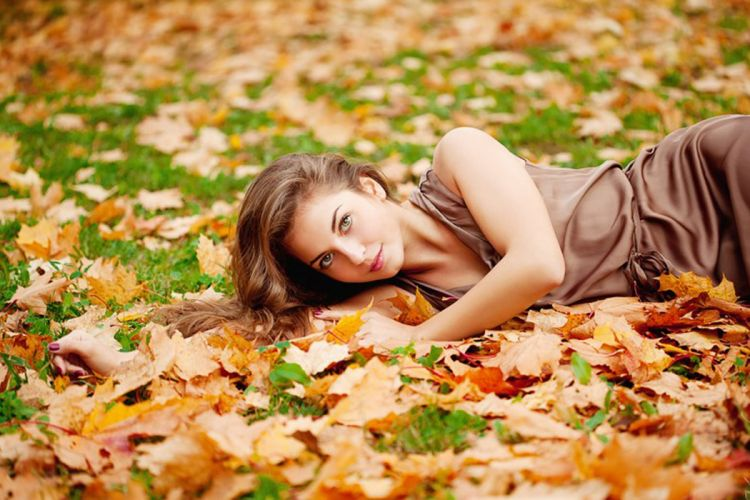 pretty leaves photography girl autumn wallpaper