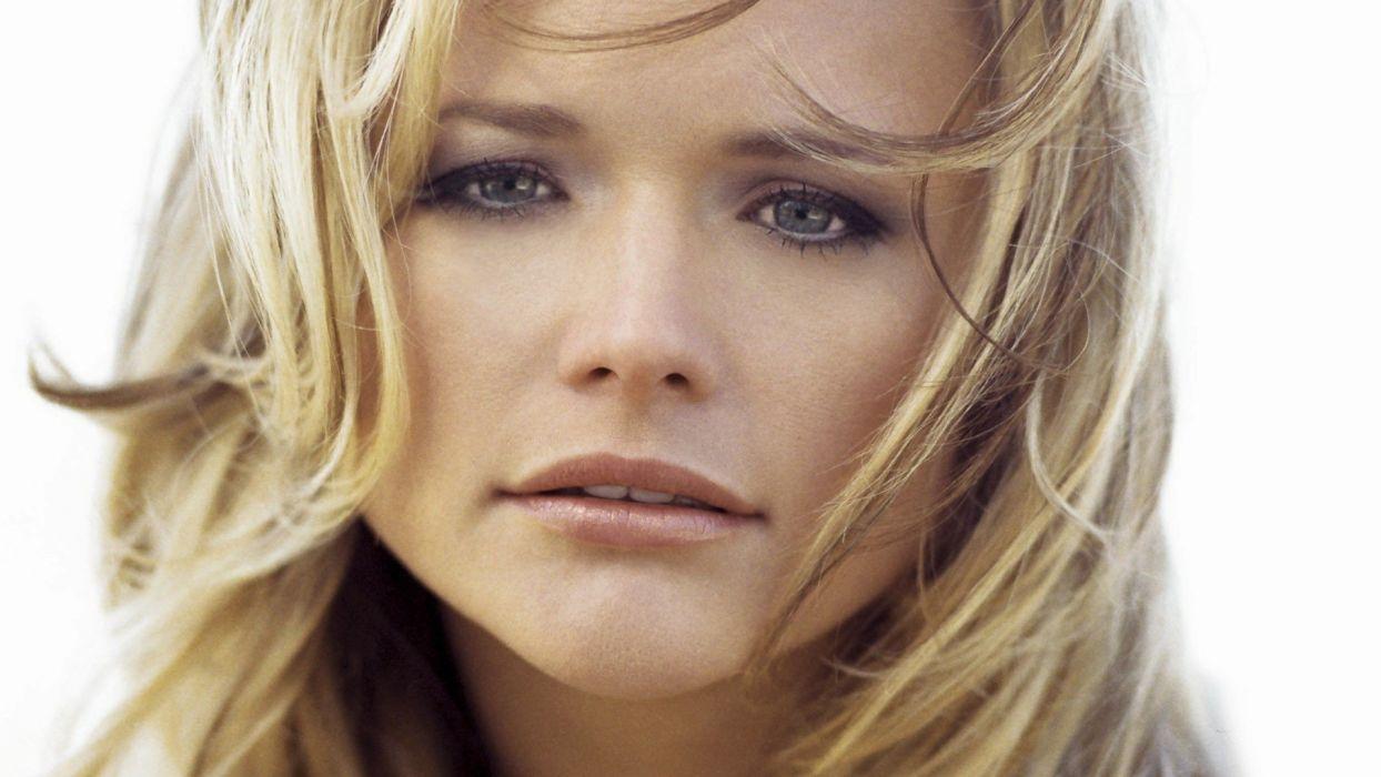 MIRANDA LAMBERT countrywestern country western singer blonde babe wallpaper