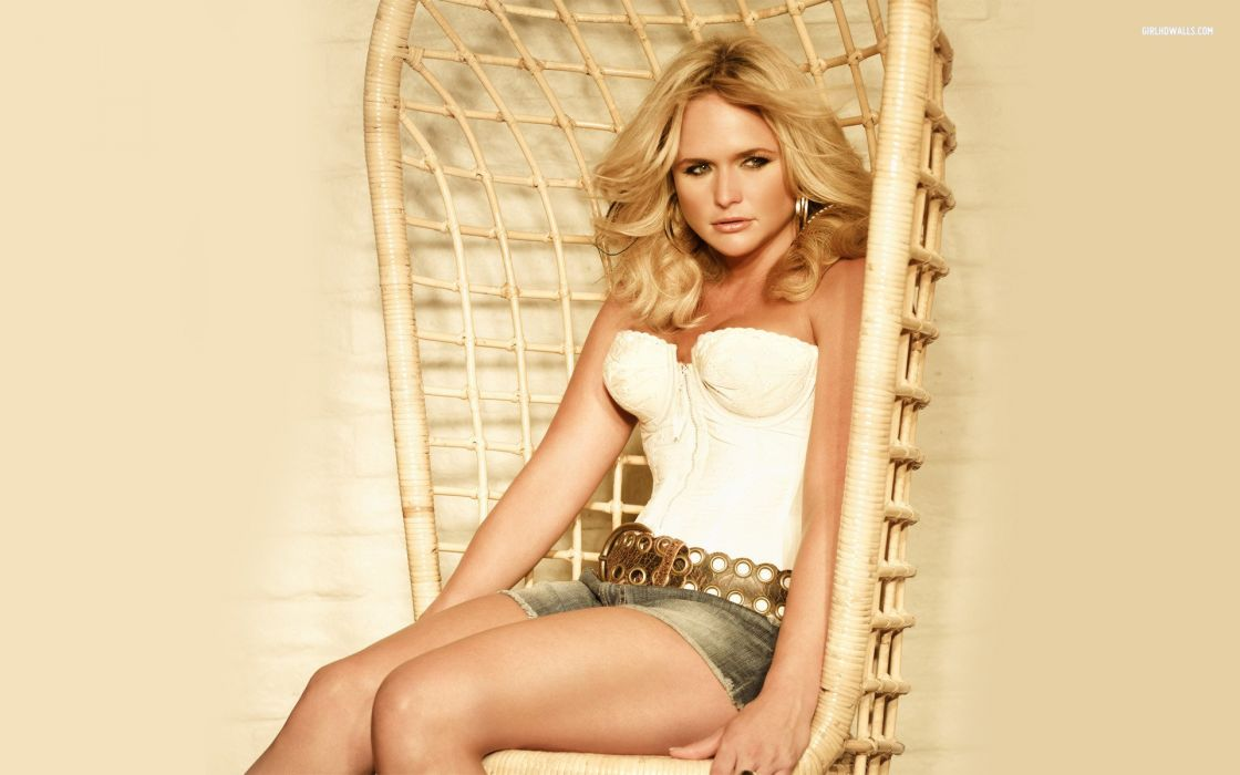 MIRANDA LAMBERT countrywestern country western singer blonde babe wallpaper
