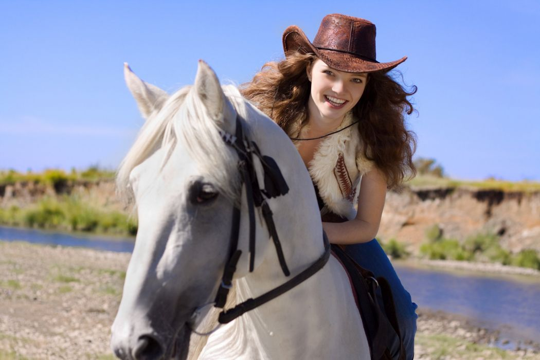 COLOR COWGIRL WHITE HORSE wallpaper