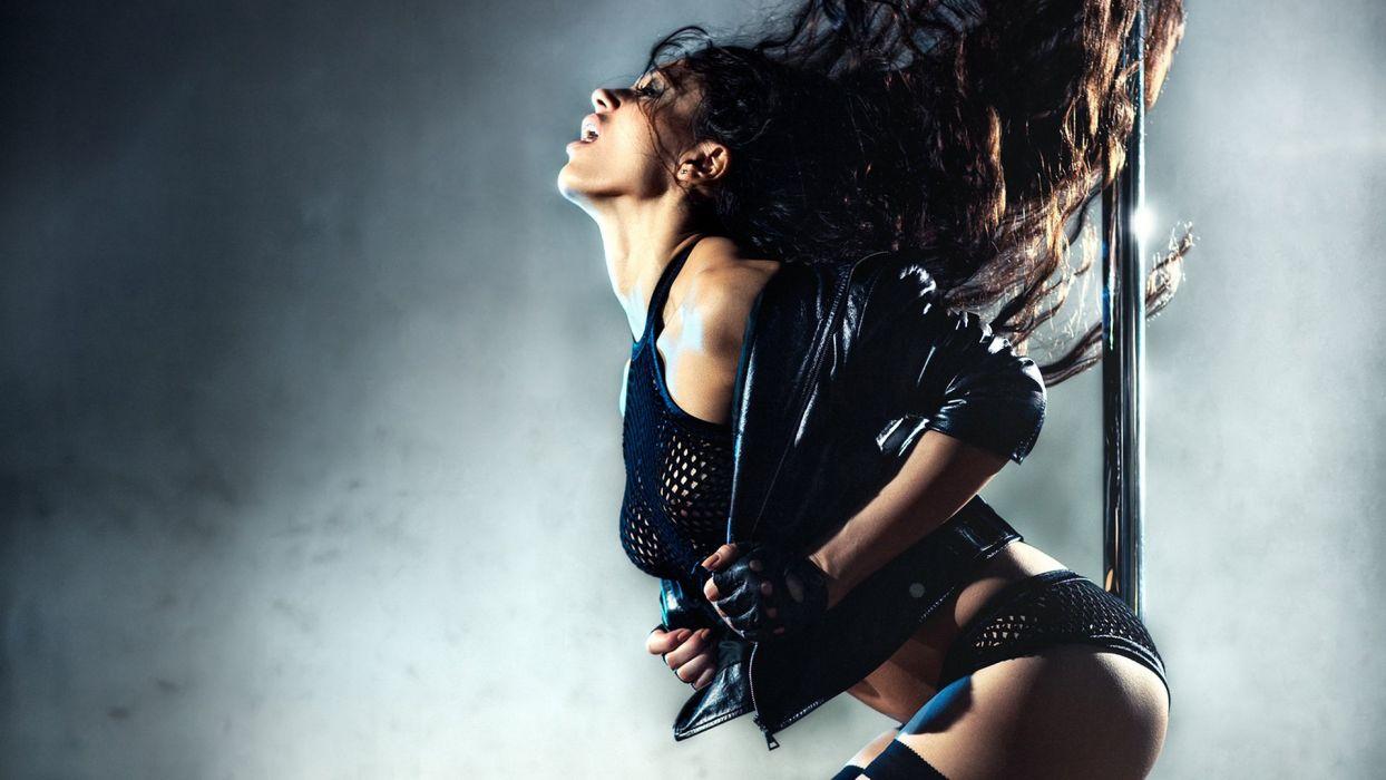 DANCE GIRL - Passionate wind hair wallpaper