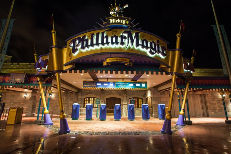Walt-Disney World Resort Disney Orlando floride Florida USA universal studio castel hotel mickey night light stores Entertainment parc childrens offices storehouses towers buildings cities City-Walk carousel wallpaper