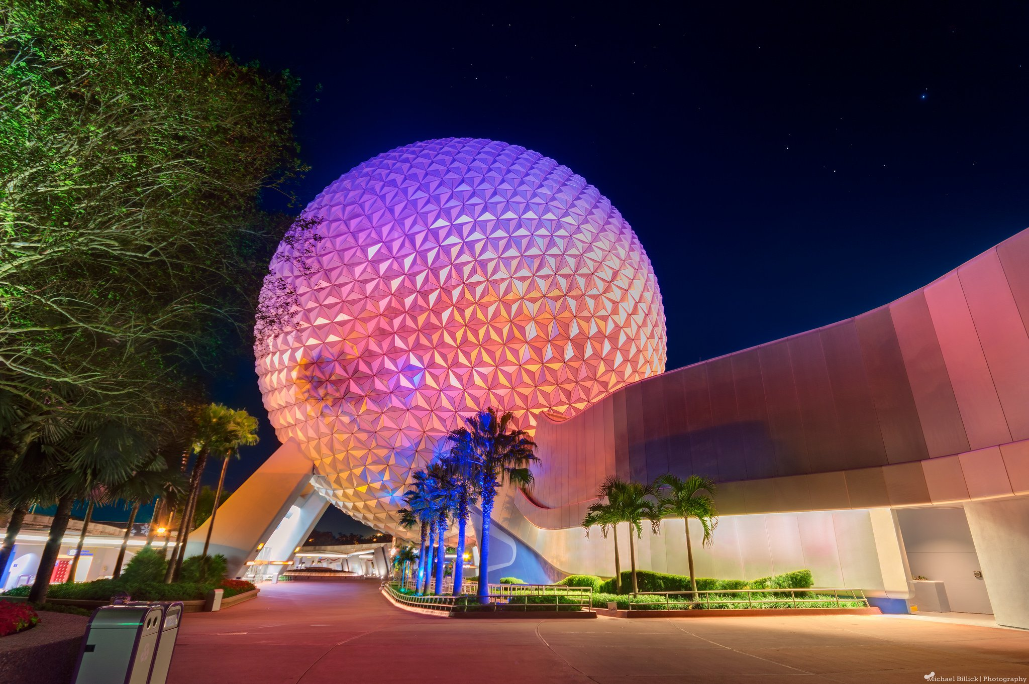 Walt Disney World Resort Orlando Floride Florida USA Universal Studio Castel Hotel Mickey Night Light Stores Entertainment Parc Childrens Offices