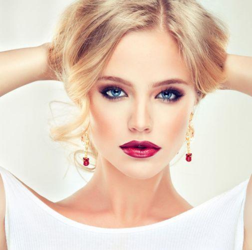 face fashion girl blomd beauty wallpaper