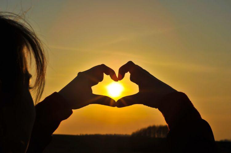 heart girl love sunset nature wallpaper