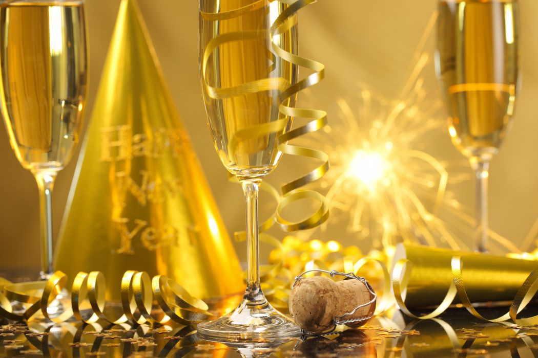 New Year champagne Happy New Year streamers celebration golden glasses holiday sparklers wallpaper
