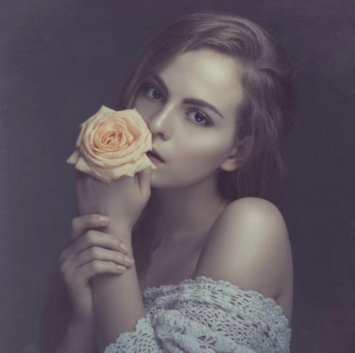 model white rose beauty lovely woman wallpaper