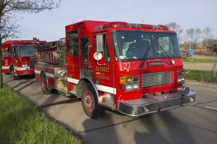 ambulance camion cars emergency fire fire departments fire truck medic detroit pompier rescue suv truck USA wallpaper