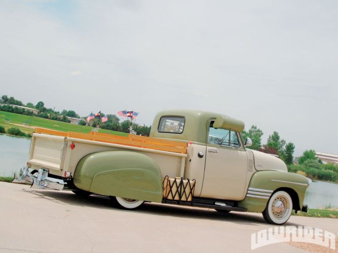 1954 Chevrolet 3100 Pickup retro lowrider wallpaper