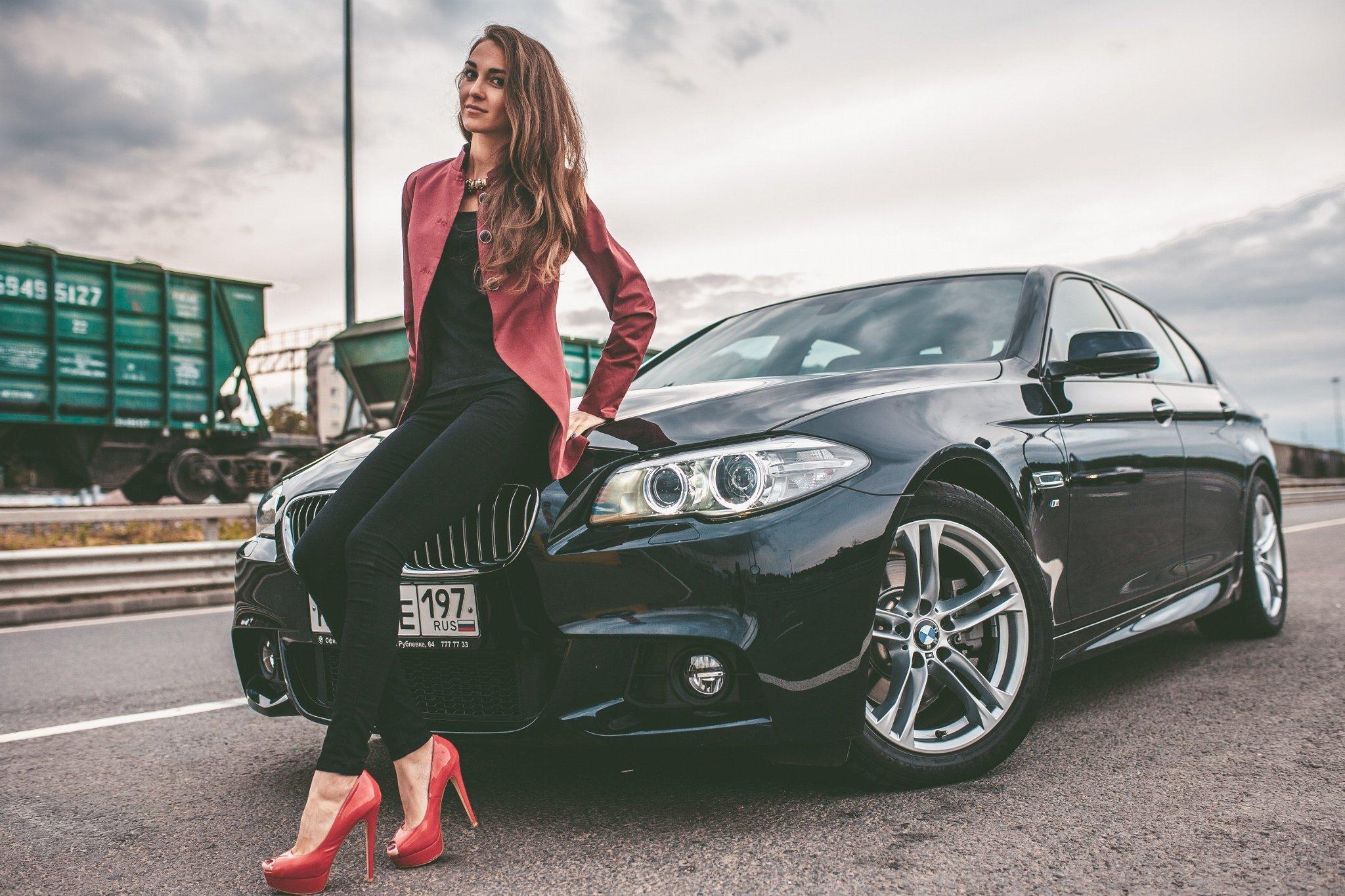 Car Girls Wallpaper